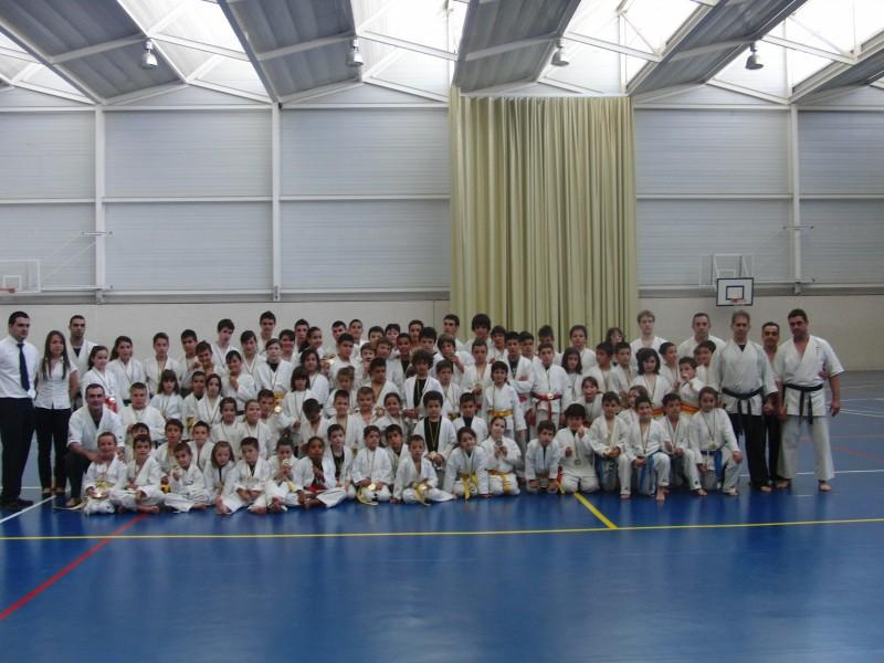 Equipo de karate jitsu del deportivo shaolin